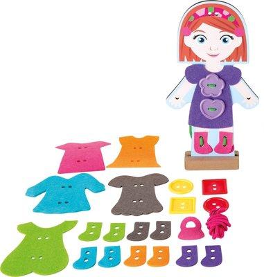 Houten aankleed pop met verschillende kleren